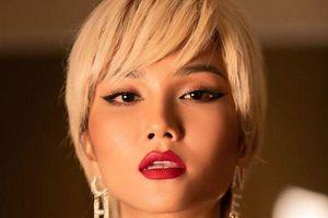 H'Hen Niê xứng danh là 'nữ hoàng tóc ngắn'của showbiz Việt, cứ tóc ngắn là auto đẹp
