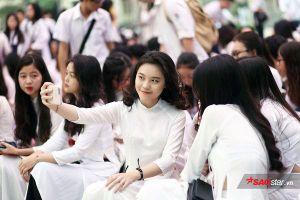 Những giọt nước mắt, nụ cười của học sinh THPT Việt Đức trong ngày bế giảng