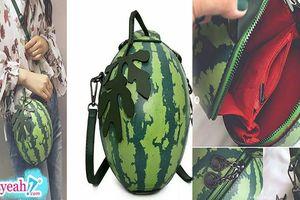 Trend mới của con gái Hàn Quốc, diện túi xách thiết kế y chang quả dưa hấu ra đường, nắng nóng thấy chiếc túi là mát mẻ ngay