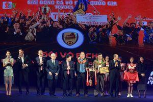 Chính thức: HLV Hoàng Văn Phúc chia tay Quảng Nam