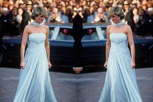 Công nương Diana và chiếc váy tạo dấu ấn lịch sử ở Cannes 32 năm trước