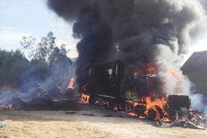 Xe container bất ngờ bốc cháy, thiệt hại hàng tỉ đồng