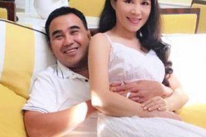 Vợ MC Quyền Linh: 'Chồng tôi không giải nghệ, vẫn đi làm bình thường'