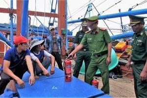 Đà Nẵng tăng cường phòng chống cháy nổ tàu cá