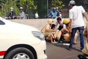 Bắc Giang: Bị yêu cầu dừng xe để kiểm tra, nam thanh niên tông thẳng thiếu úy CSGT