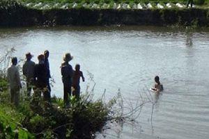 Nhảy xuống ao cứu con, thai phụ và con gái 4 tuổi tử vong