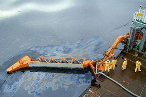 Hải Dương: Xử phạt doanh nghiệp làm tràn dầu ra sông Kinh Thầy