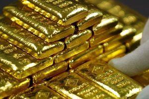 Giá vàng vẫn ở đáy, giá USD tự do đuổi kịp ngân hàng