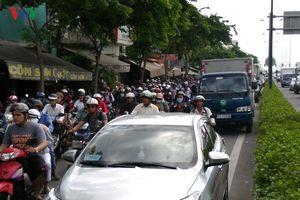 Điều chỉnh giờ xe máy đi vào làn ôtô đường Phạm Văn Đồng, Trường Chinh