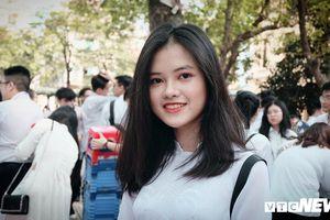 Nữ sinh Phan Đình Phùng, Hà Nội xinh tươi trong ngày bế giảng