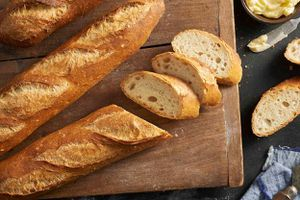 Bánh mì được tạo ra thế nào trong nhà máy?