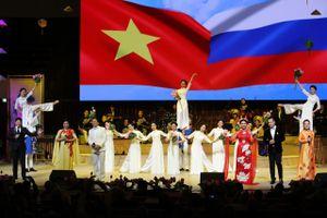 Nghệ thuật Việt Nam chinh phục khán giả Nga