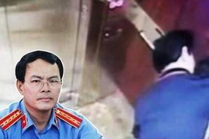 Toàn cảnh vụ Nguyễn Hữu Linh dâm ô bé gái trong thang máy