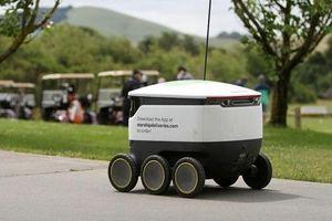 Robot giao hàng đã được ứng dụng cho sân golf... các shipper hãy cẩn thận