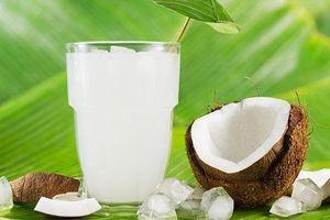 Uống nước dừa khi đi nắng về có thực sự tốt cho sức khỏe?