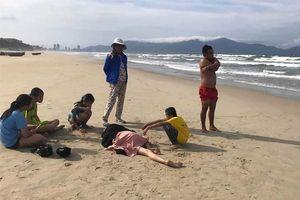 Tắm biển liều mạng, nhiều người đuối nước thương tâm
