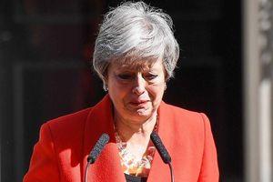 Thủ tướng Anh Theresa May rơi lệ khi thông báo ngày từ chức