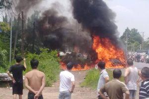 Đồng Nai: Xe khách bốc cháy dữ dội, 3 bà cháu thương vong