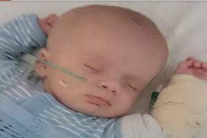 Bé trai 9 tuần tuổi chảy máu não do cha thường xuyên rung lắc