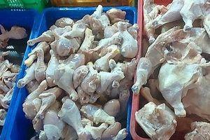 Bị phạt 120 triệu đồng vì kinh doanh 3 tấn thịt gà không rõ nguồn gốc