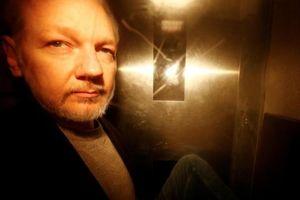 Mỹ truy tố nhà sáng lập WikiLeaks nhiều tội danh mới