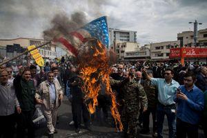 Chán ngấy trò gây sức ép của Mỹ, Iran bắt đầu phản công