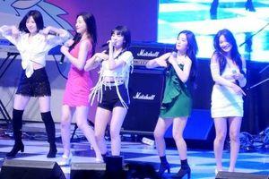 No music - no problem: Red Velvet vẫn diễn 'cực hăng' hit 'Bad Boy' ngay cả khi không có nhạc nền