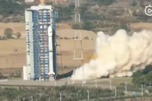 Khoảnh khắc tên lửa Trung Quốc bất ngờ nổ tung sau khi phóng