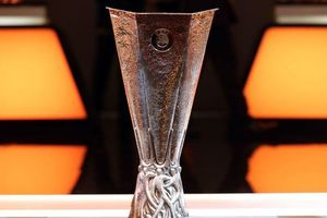 Arsenal và Chelsea trả lại hàng nghìn vé chung kết Europa League