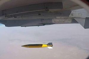 Ấn Độ thử bom dẫn đường 500 kg, đáp trả việc Pakistan bắn tên lửa
