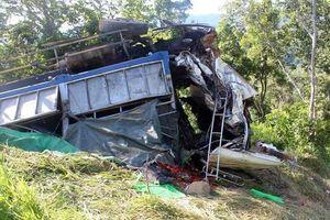 Ôtô lao xuống vực ở Hà Giang, tài xế tử vong