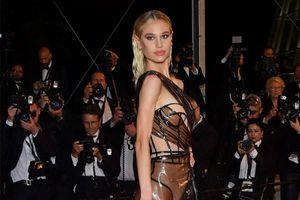 Street style đẹp mắt, sành điệu của người mẫu lộ vòng một ở Cannes