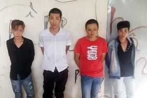 Tạm giữ 4 con nghiện ngang nhiên trấn lột tài sản của người dân tại Bến Tre