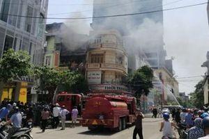 Thanh Hóa: Cháy lớn giữa trưa nắng, ngôi nhà 4 tầng kinh doanh gas bị cháy rụi