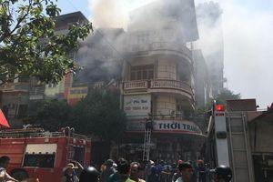 Cháy cơ sở kinh doanh bình gas, cả khu phố náo loạn