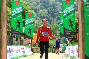 Gần 1.000 vận động viên tranh tài tại Giải marathon băng rừng Việt Nam