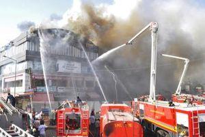 Ấn Độ: Cháy trung tâm thương mại, ít nhất 35 người thương vong