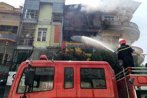 Thanh Hóa: Cháy lớn tại cửa hàng kinh doanh ga, cả khu phố náo loạn