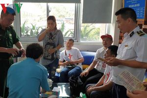 Trục xuất nhóm du khách Trung Quốc tuyên truyền tôn giáo tại Hạ Long