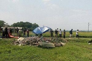 Phát hiện thi thể người phụ nữ tại bãi rác ở giữa cánh đồng