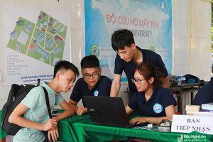 Đội 'bác sĩ' cứu hộ máy tính miễn phí ở Nghệ An