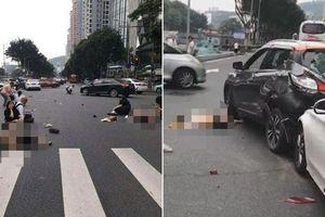 Cố với tay ra ghế sau lấy chai nước, người phụ nữ gây ra vụ tai nạn quá kinh hoàng