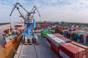 Việt Nam nhập siêu 1,8 tỷ USD trong nửa đầu tháng 5