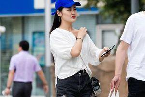 Phố Trung Quốc ngập tràn những cô gái đẹp ăn vận mát mẻ hút mắt