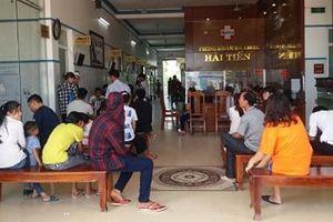 Hơn 50 du khách nhập viện cấp cứu sau khi ăn hải sản ở khu du lịch