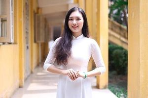 Hoa khôi Học viện Ngân hàng ngại đi giày cao gót vì cao 1,73 m