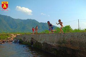 Mùa hè của những đứa trẻ vùng cao