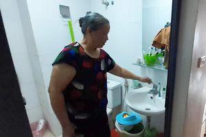 Hàng nghìn người dân Tân Tây Đô khốn khổ vì 4 ngày không có nước sạch