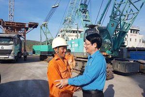 Công đoàn TCty Hàng hải Việt Nam động viên CNLĐ có hoàn cảnh khó khăn
