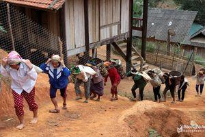 Nhân dân huyện Tương Dương đóng góp gần 90 tỷ đồng xây dựng nông thôn mới